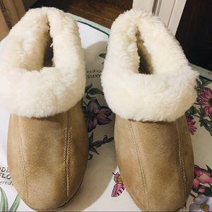 Old Friendly Sherpa Slippers -8 tan ,Sherpa lined